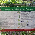 Placa sobre a Horta das Corujas na entrada da horta