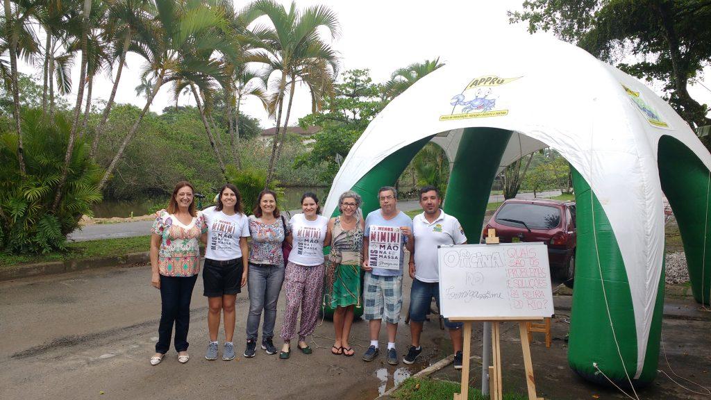 Moradores do entorno do rio Tavares depois da oficina do Formiga-me