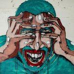 homem-com-medo-das-ruas-em-grafite